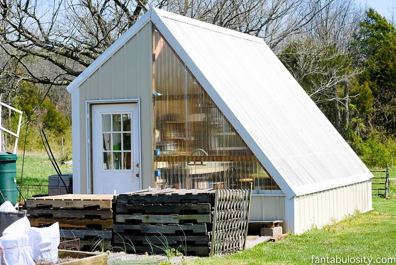 Greenhouse gardening ideas using some recycled items and other little tricks