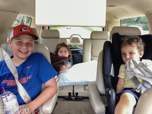 Tips for traveling with toddlers, toddler traveling tips, toddler road trip, toddler travel