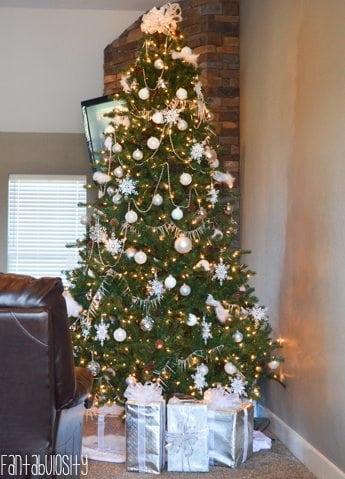 Holiday Christmas Home Tour https://fantabulosity.com