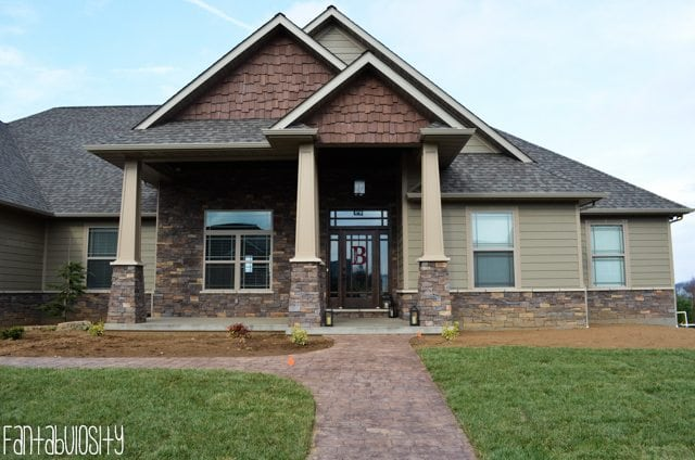 Craftsman Style Home, Home Tour Part 1 https://fantabulosity.com