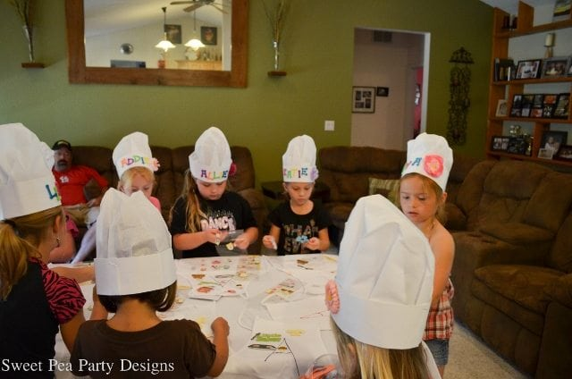 Baking Party Girl Birthday Keep Decorating Aprons