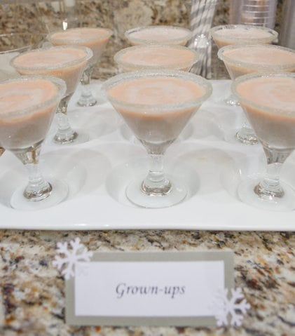White Christmas Party Ideas Rumchata Cocktails http://fantabulosity.com