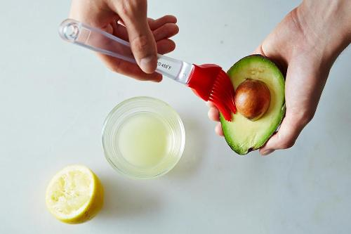 Keep that avocado from turning brown! https://fantabulosity.com