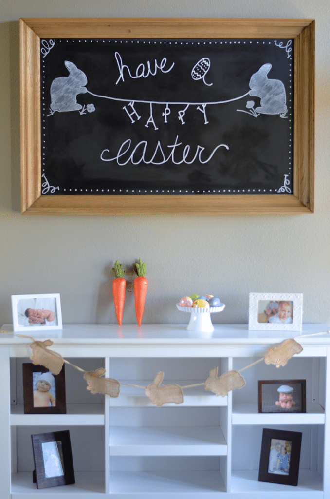 Easter Chalkboard Art Ideas https://fantabulosity.com