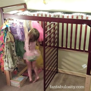 Turn your crib in to a dress up, dressing room! https://fantabulosity.com