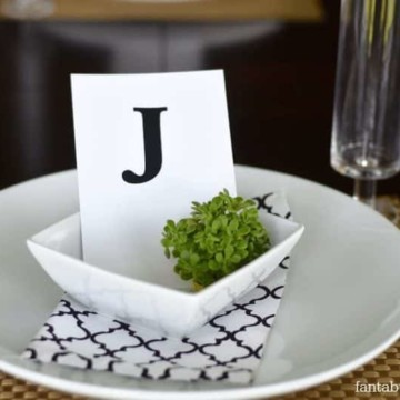 Table Setting Idea for Dinner Party https://fantabulosity.com