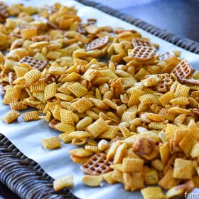 Honey Sriracha Chex Mix recipe https://fantabulosity.com