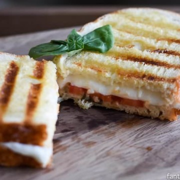 Caprese Grilled Cheese Sandwich - The Adult Grilled Cheese https://fantabulosity.com