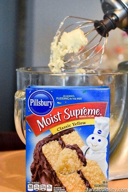 No Bake Cake Batter Candy Truffles Recipe http:://fantabulosity.com
