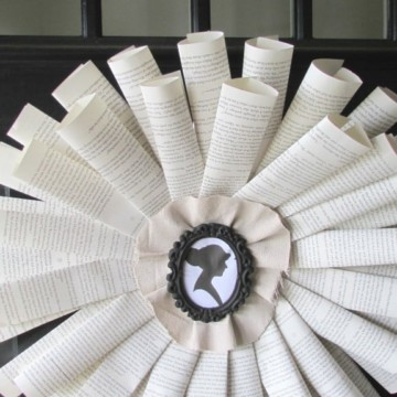 DIY Book Wreath https://fantabulosity.com