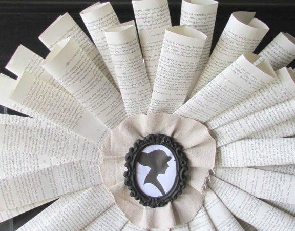 DIY Book Wreath https://fantabulosity.com