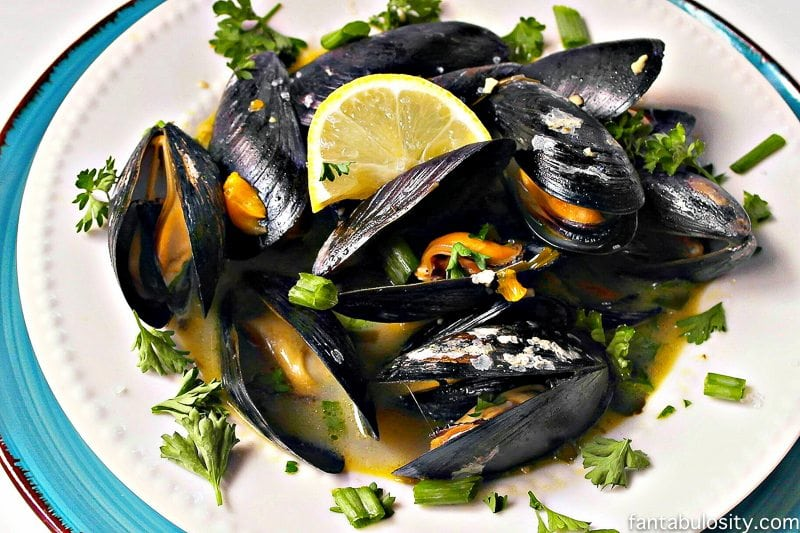 An easy mussels recipe! Steamed with citrus, garlic, butter, OMG yum!