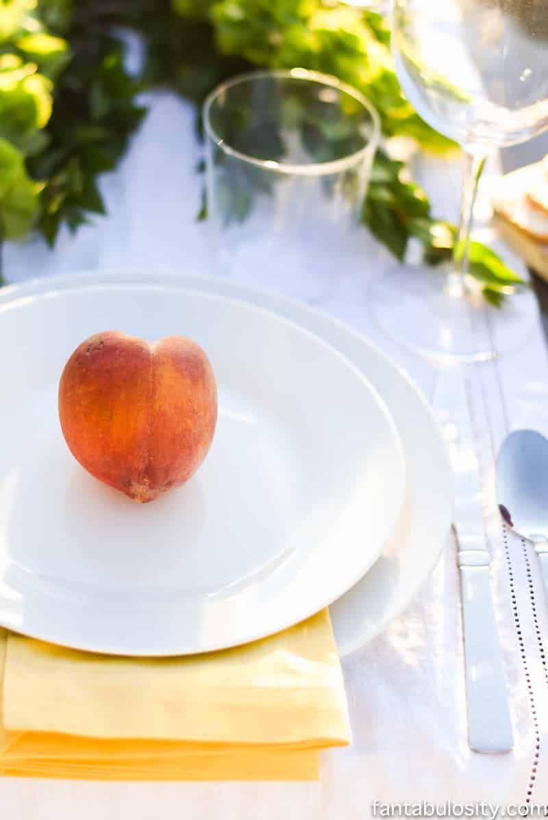 Peach Table Setting! So easy and classy! Pop Up Backyard Dinner Party: Entertaining Ideas, classy, easy simple, quick, fun, outside. Outdoor Party Ideas