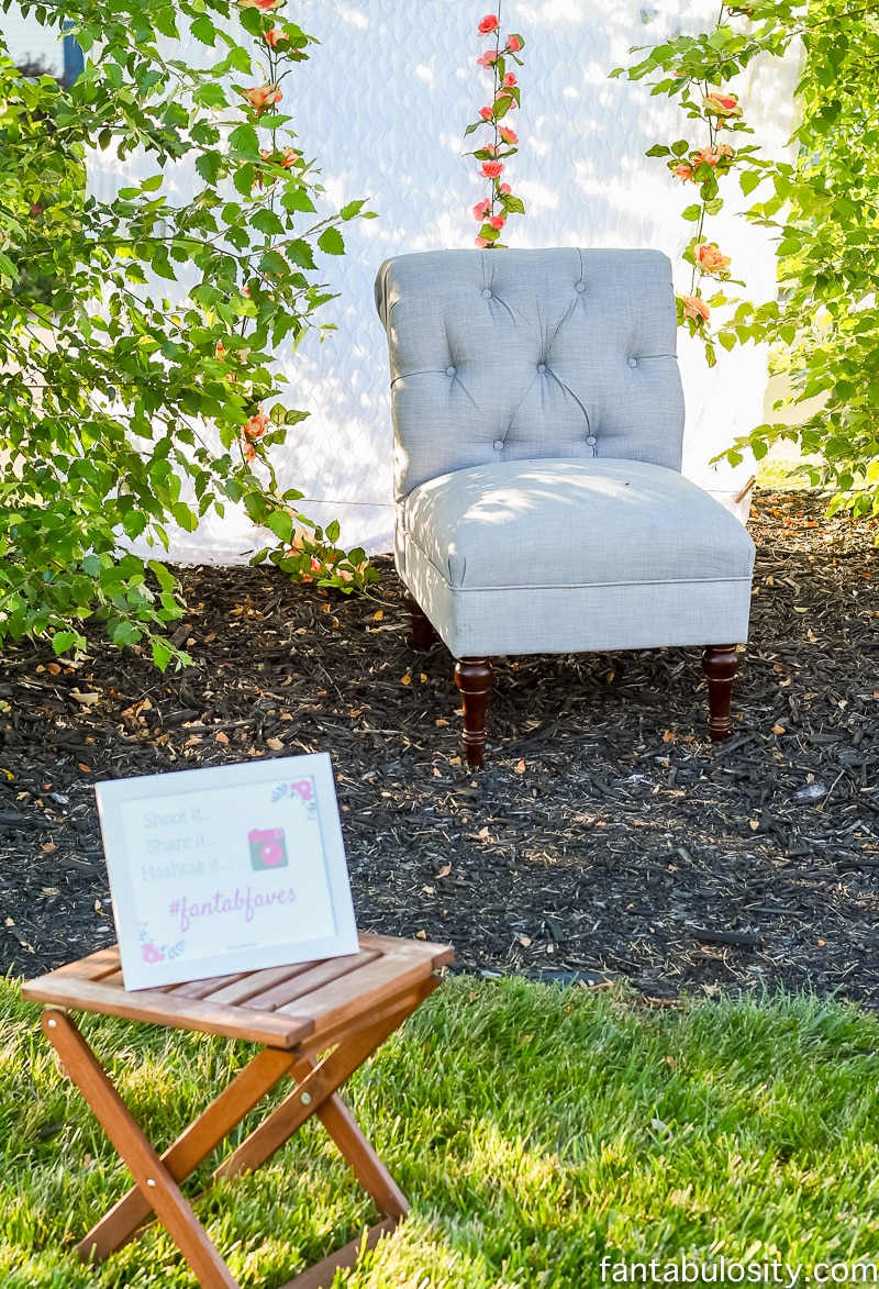 Outdoor Photo Booth Idea for Summer Party
