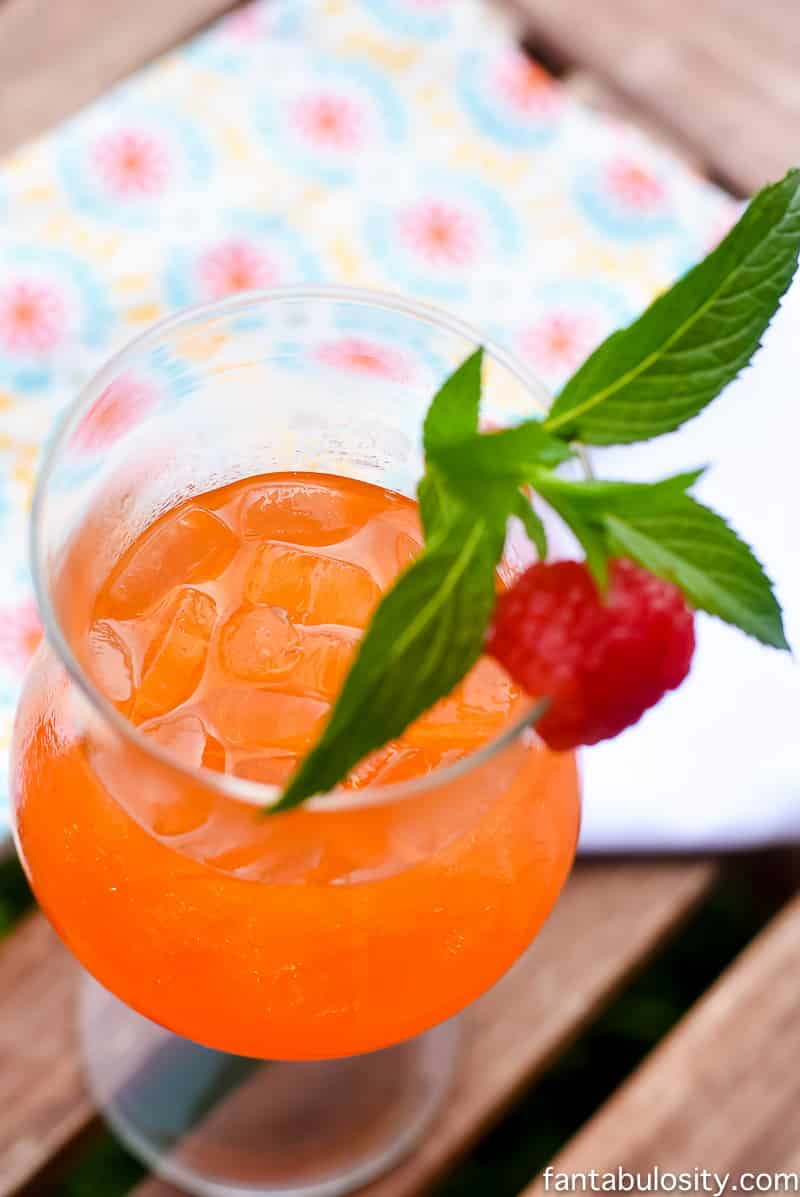 Summer Cocktails for a crowd - Summer Passionfruit Tea Recipe