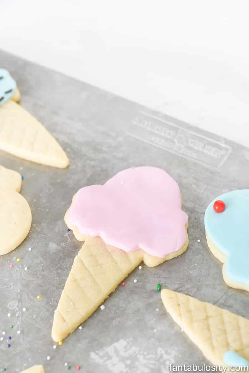 Ice cream cone sugar cookies! Using fondant instead of icing is so much easier!