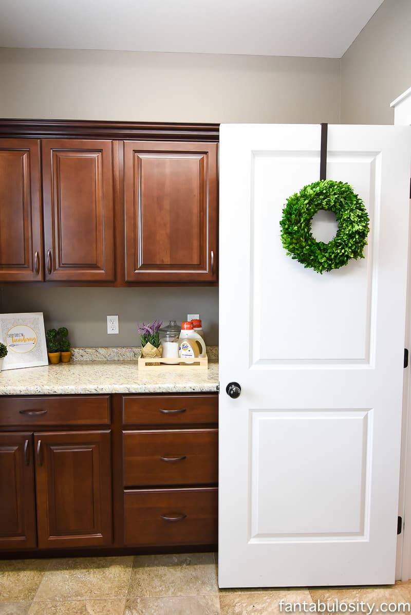 Laundry Room Countertop Decorating Ideas