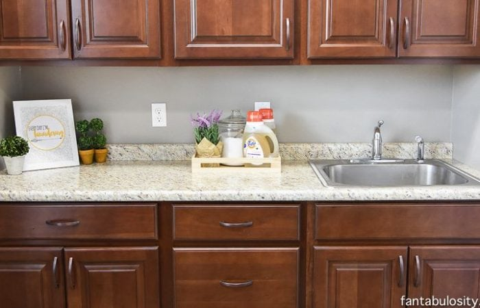 Laundry Room Simple Decorating Ideas