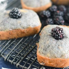 OMG. Now THIS is the banana bread I'll be making. Blackberry Flax Banana Bread