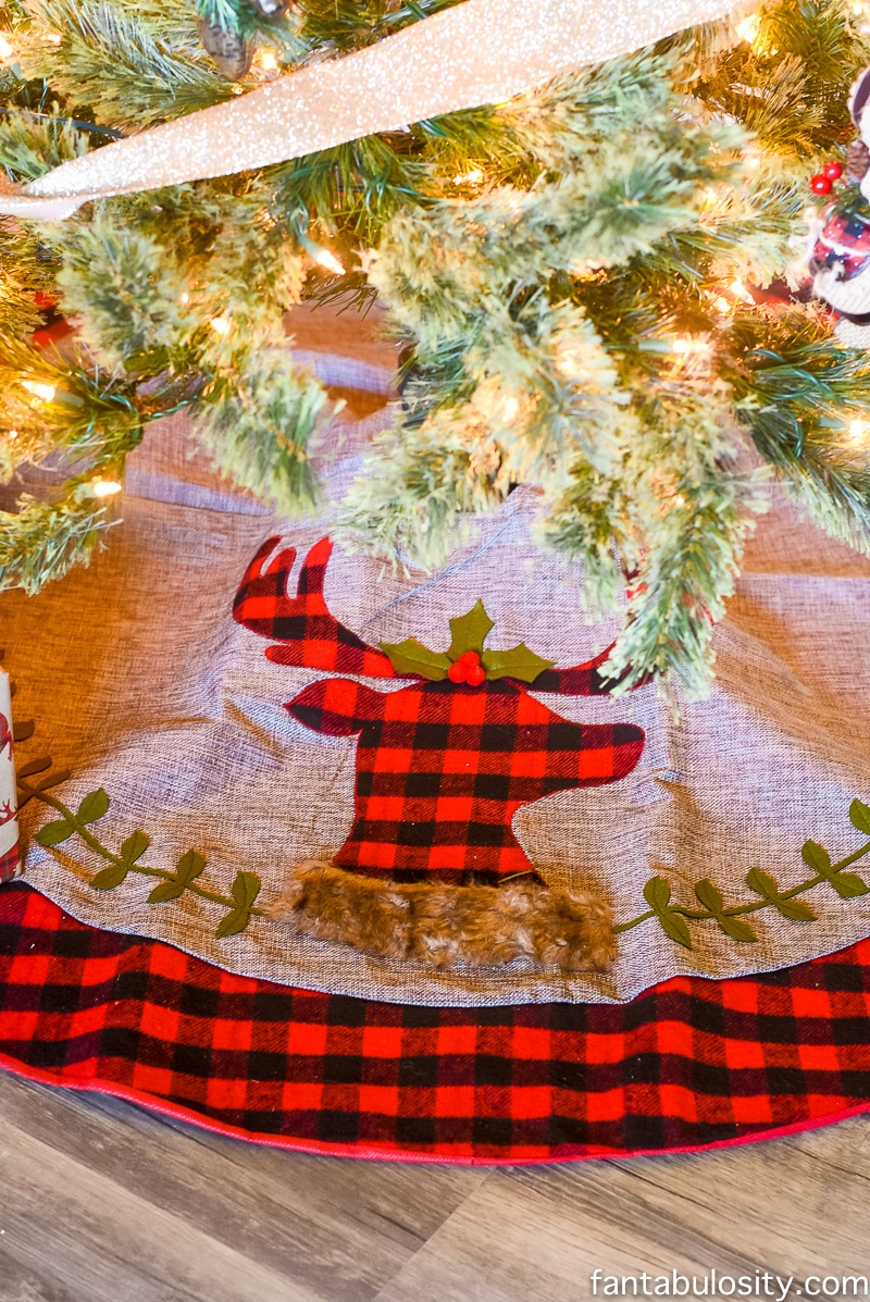 Christmas Decorating for small spaces. Apartment, condo, airbnb, small house, or vacation rental.
