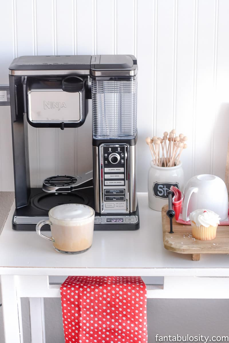 https://fantabulosity.com/wp-content/uploads/2016/12/DIY-Coffee-Bar-Ideas-for-the-Kitchen_-16.jpg