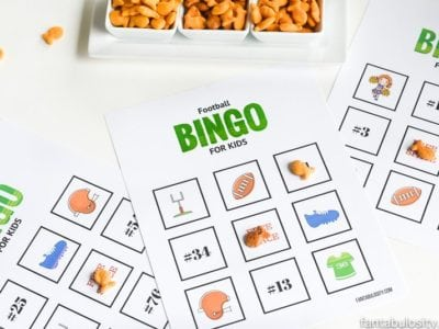 So fun, the kids can use snacks like Goldfish Crackers as daubers! Football game for kids: Football Bingo free printables! (6 different sheets to use!)