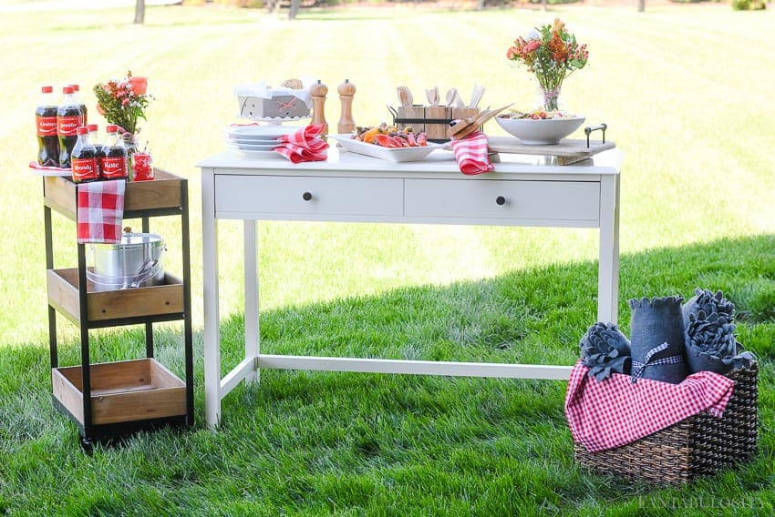 Backyard BBQ Party Ideas for the girls in the Summer time!