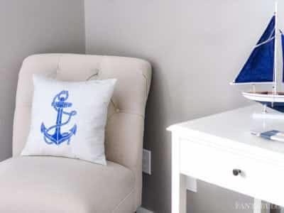 DIY Anchor Pillow with a stencil