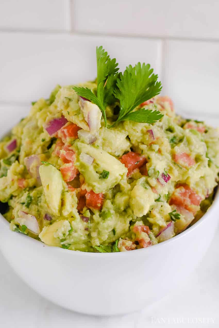 How to Make Guacamole - simple and easy recipe