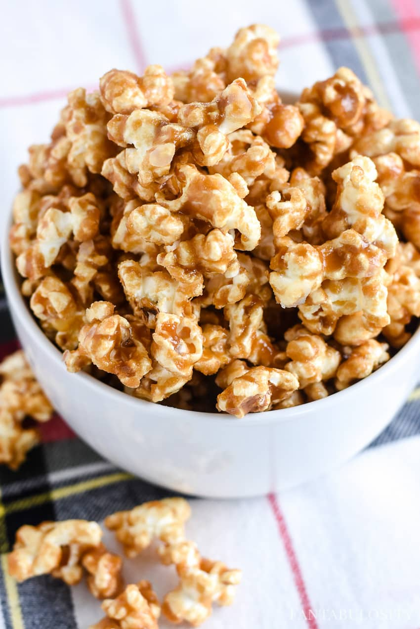 Caramel Corn Recipe - This was so easy and quick, plus you don't have to bake it in the oven.