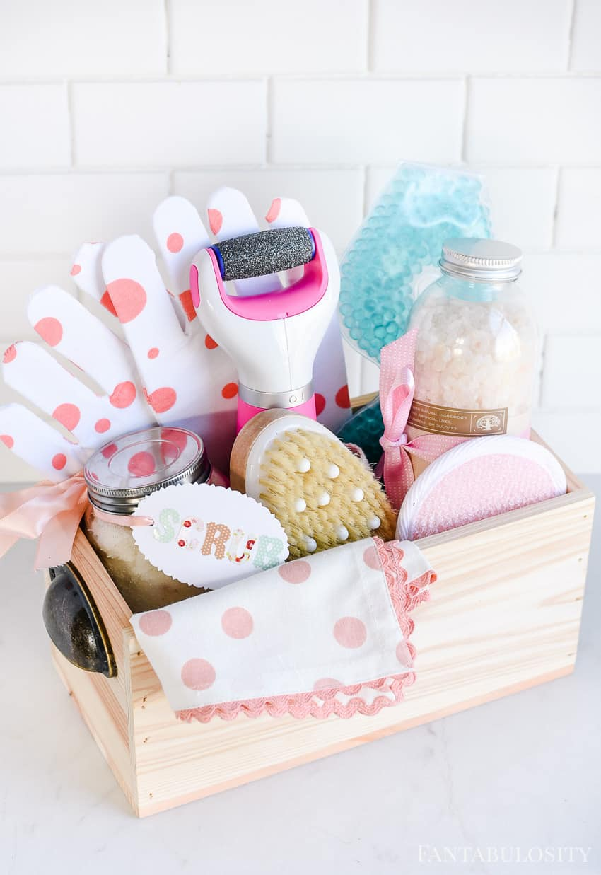 Spa at Home gift basket idea for her. So easy and so cute!