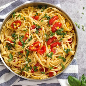 Pasta with corn and tomato sauce is the PERFECT summer pasta recipe!