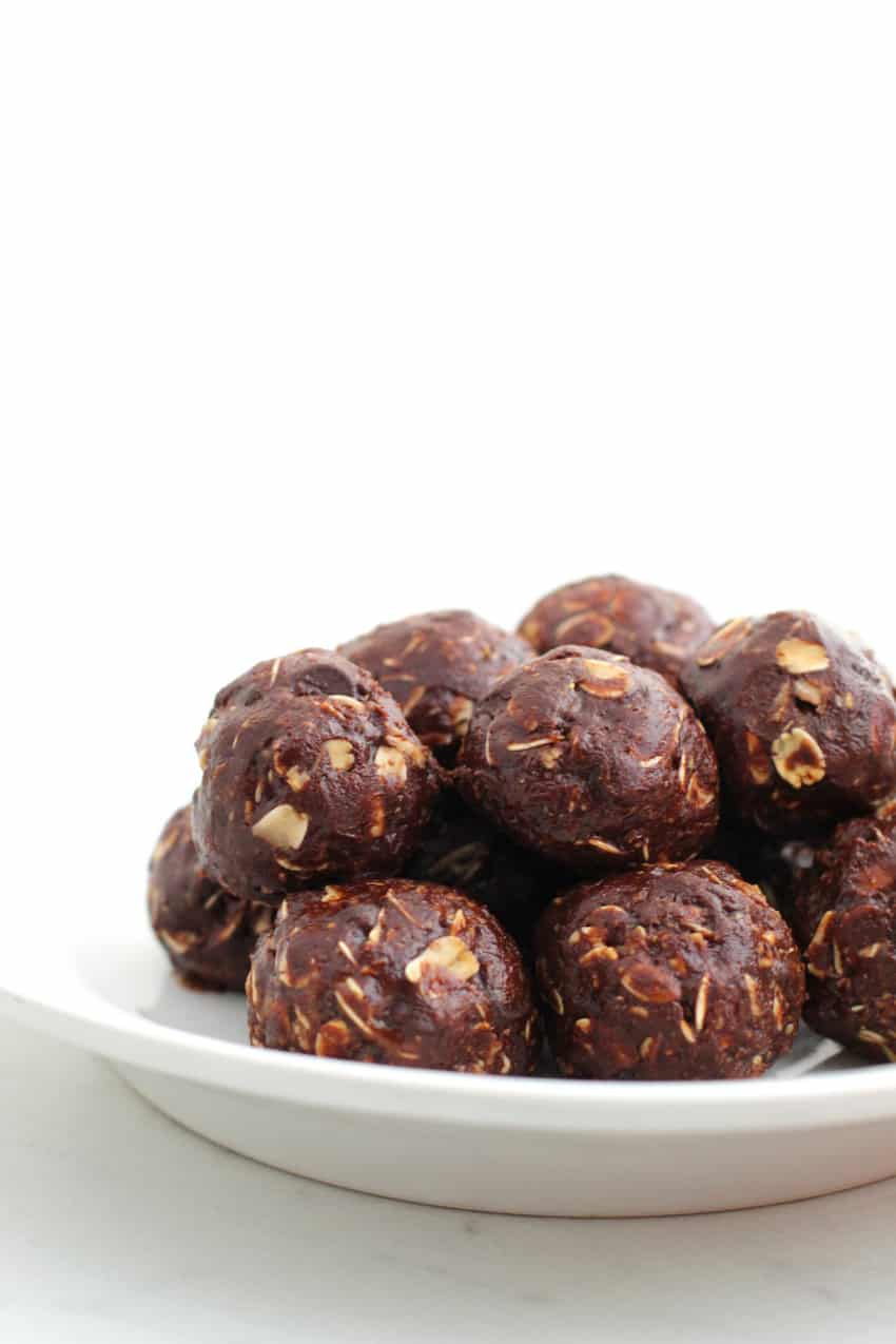 Energy Bites - Chocolate Peanut Butter Oatmeal Recipe