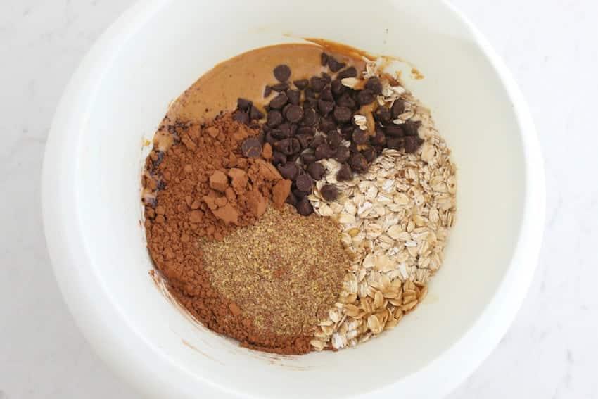 Energy Bites Recipe: Chocolate Peanut Butter