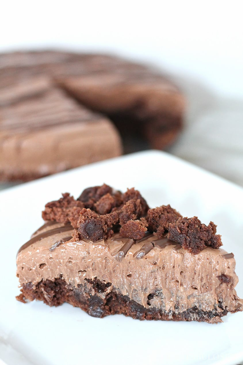 Nutella Cheesecake Recipe with Brownie Crust