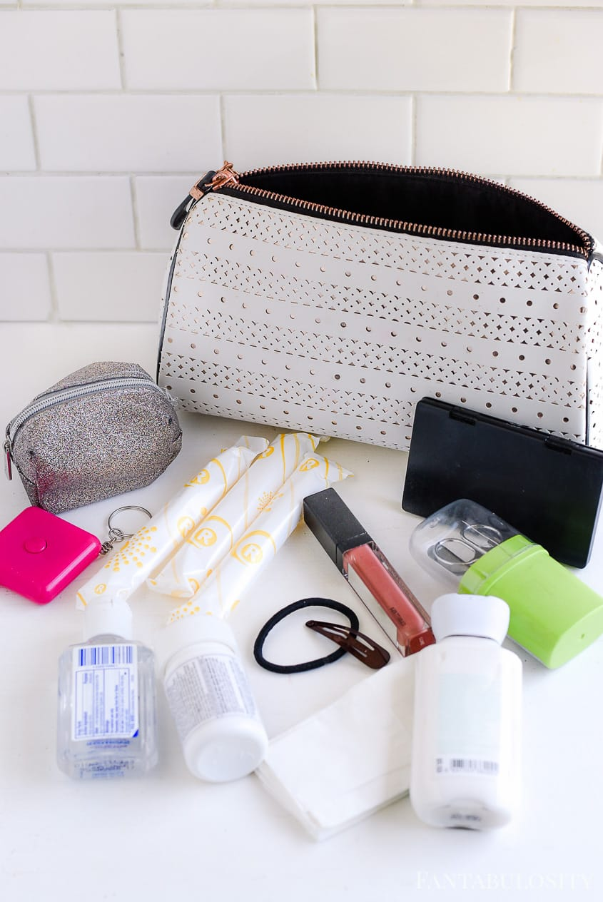How to organize beauty items inside of a purse