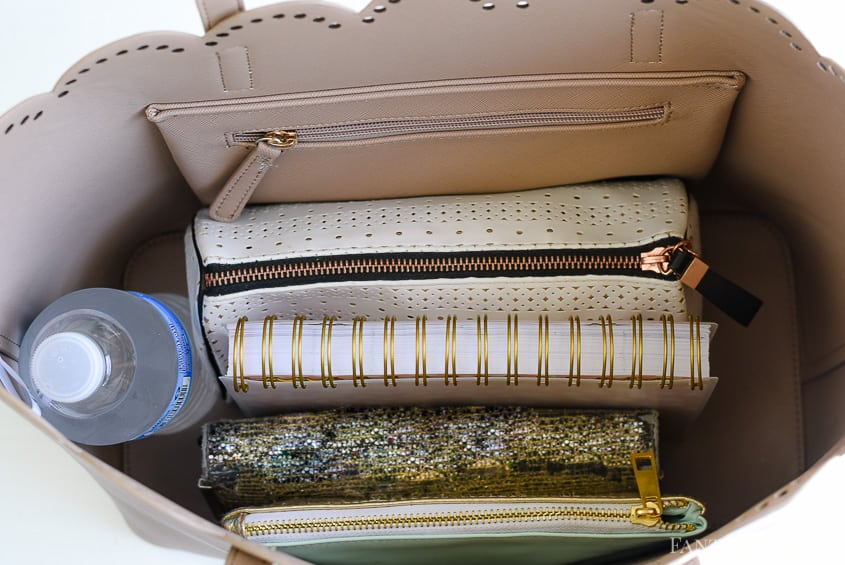 Purse Organizer - DIY Purse Organization and how to organize the inside