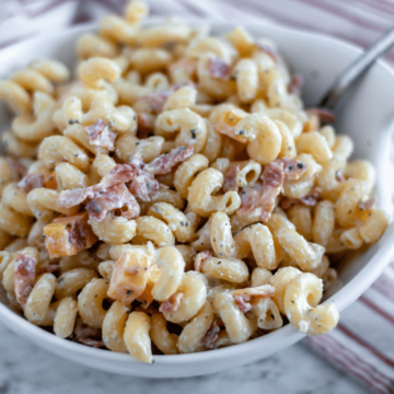 This 6 ingredient Bacon Ranch Pasta Salad is so simple and delicious. Perfect for potlucks, barbecues or a weeknight side dish.