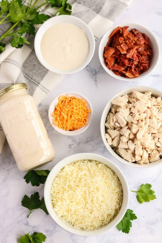 Ingredients for chicken bacon ranch pasta recipe