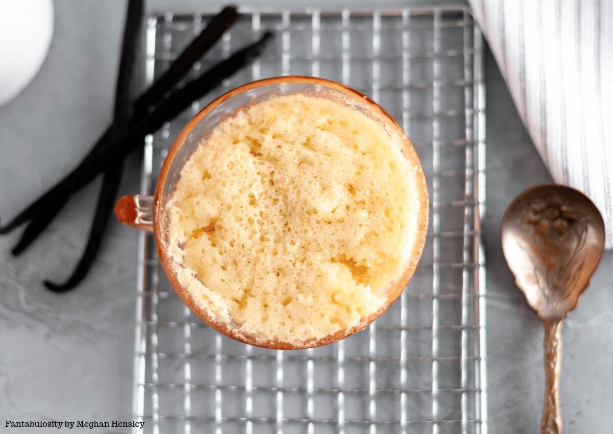 Microwave vanilla cake in a mug