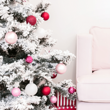 Gift ideas for teenage girls - pink christmas tree
