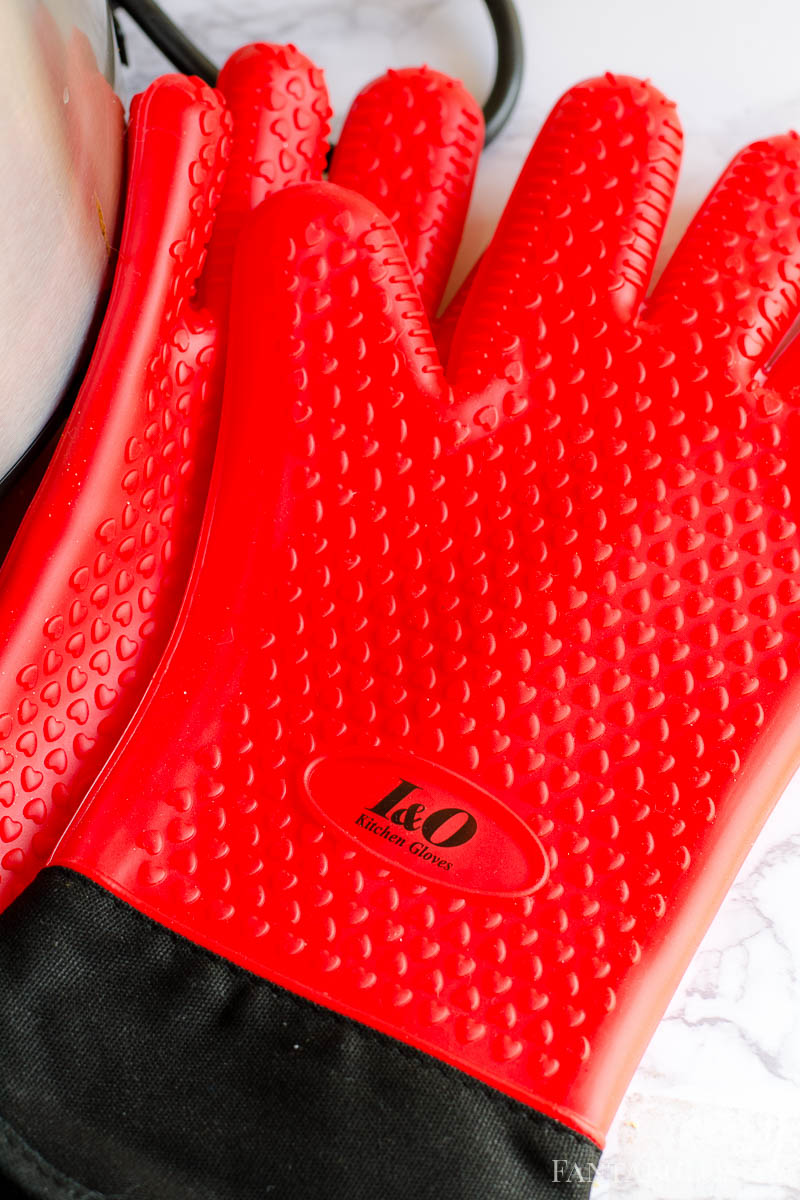 Red Heat Resistant Gloves
