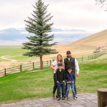 Montana Blogger with Family