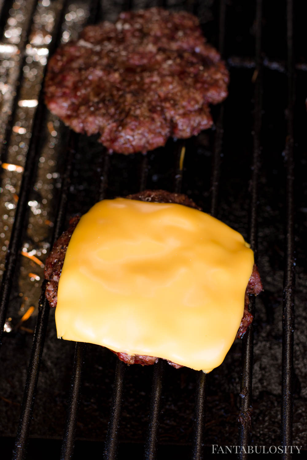Smoked burgers on the grill - for one hour