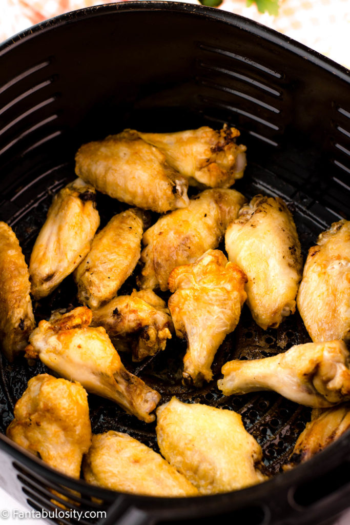 fully cooked chicken wings in air fryer