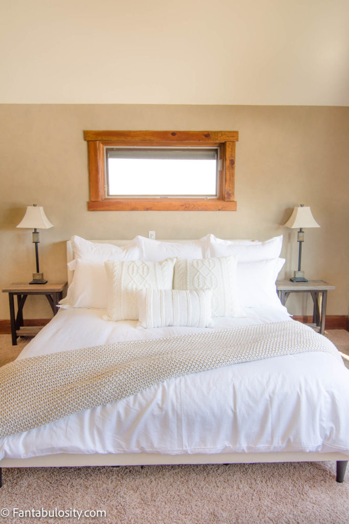 How to make a bed like a hotel - white linens in bedroom