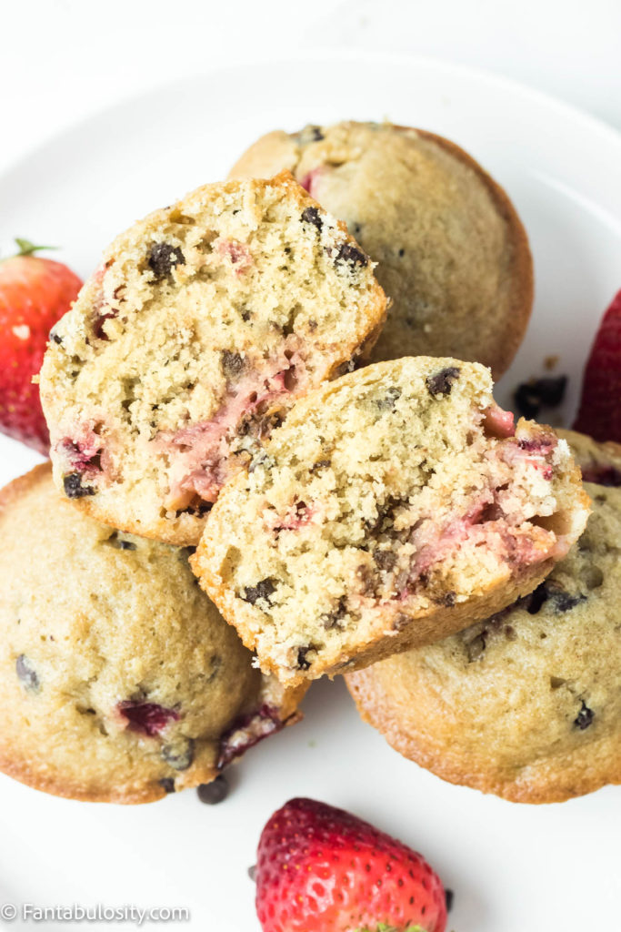 How to make fluffy strawberry chocolate chip muffins